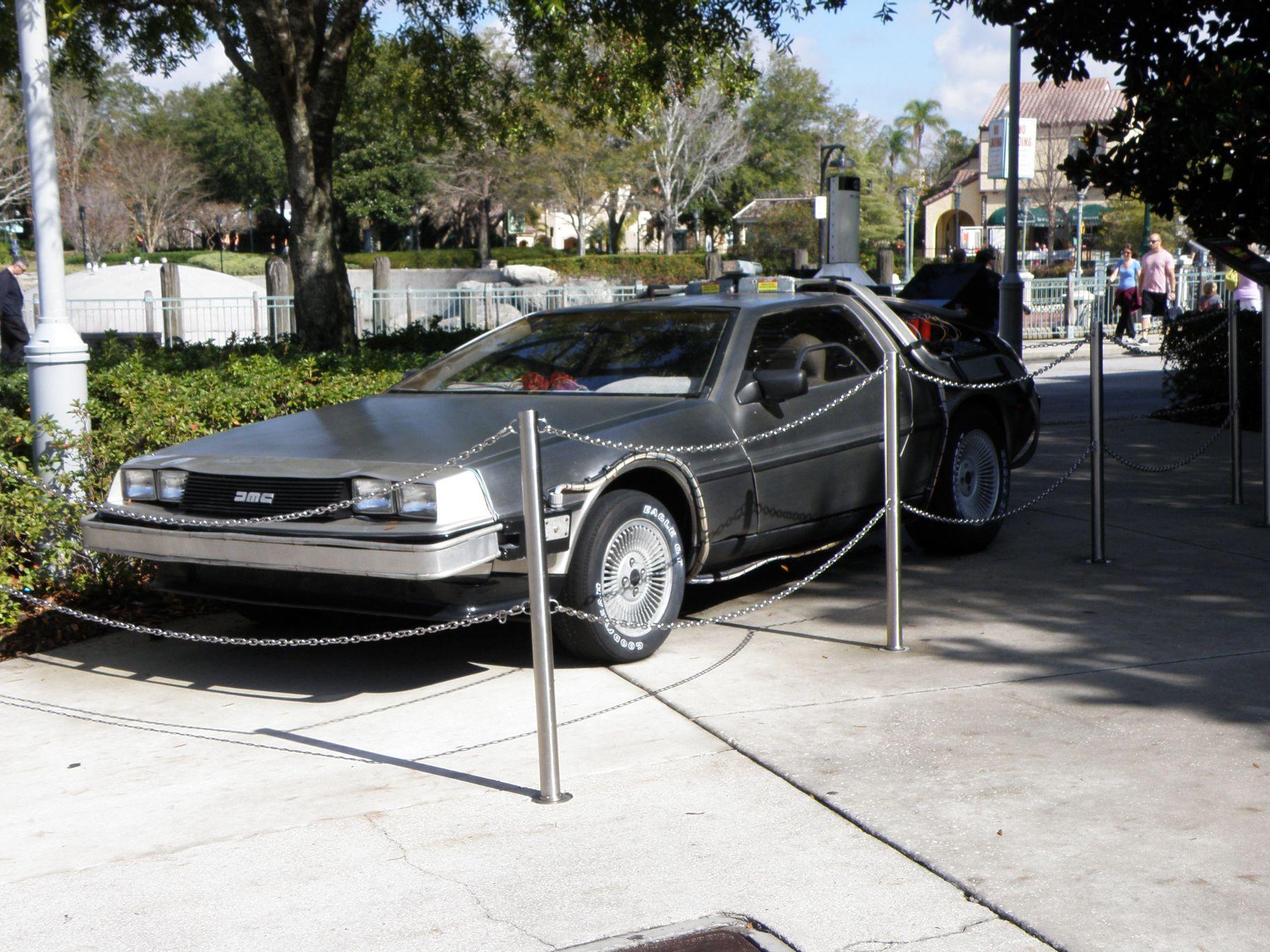 DeLorean DMC-12 du film Retour Vers Le Futur 2